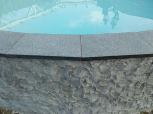 Zwembadrand van gevlamde en geborstelde Chinese Basalt